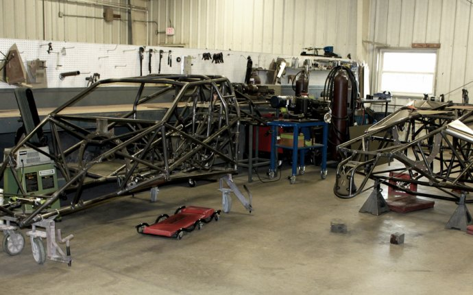 Behind-The-Scenes Race Car Build-Up At Rick Jones And Quarter-Max