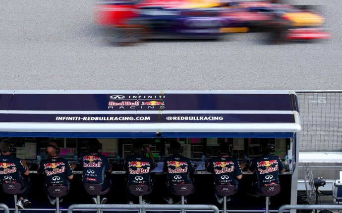 Infiniti Red Bull Racing pitwall members who s who