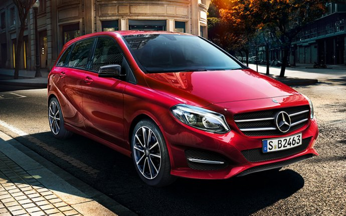 Mercedes-Benz leads in U.S. luxury-car race