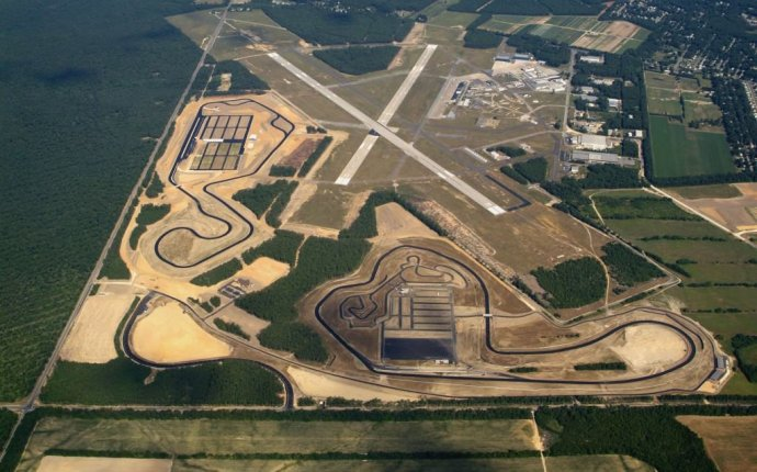 New Jersey Motorsports Park - Racetrack Driving Experience