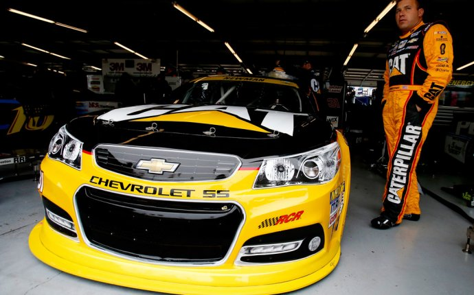 Ryan Newman (race car driver) in Chicagoland Speedway - Day 2 - Zimbio