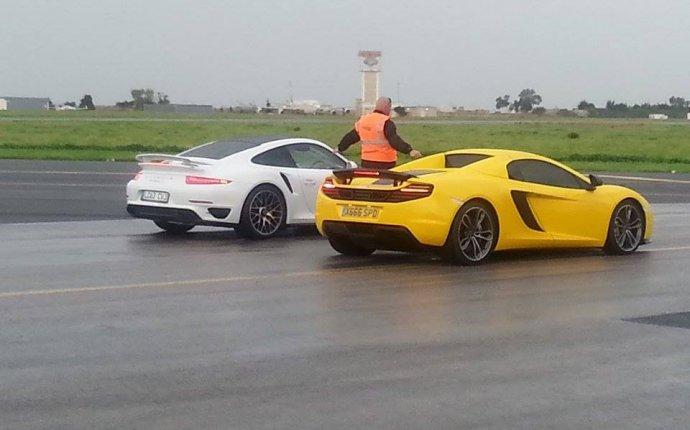 Super Car Drag Races - McLaren 12C, Porsche 991 Turbo S, Ferrari
