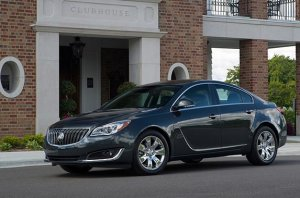 2017 Buick Regal AWD | General Motors