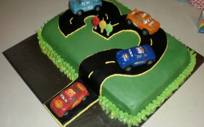 Race Car Birthday Cakes