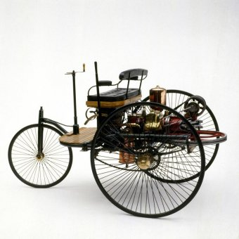 The Motorwagen had three wheels, a bench seat, and a crank used for steering, and the two-stroke piston engine went on to set the precedent for future early automobiles.
